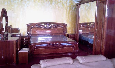 tapis chambre a coucher chambre complete en bois moderne