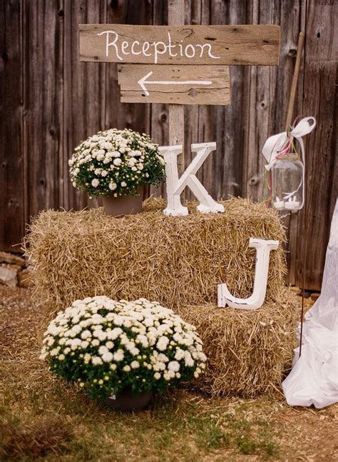 awesome rustic wedding sign ideas
