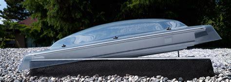 velux flachdach fenster flachdachfenster lichtkuppel velux licht und frische luft unterm flachdach