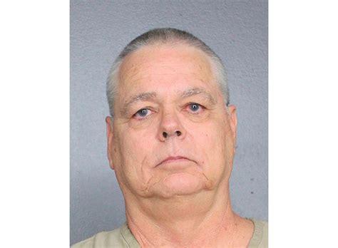 florida deputy charged staying school shooting