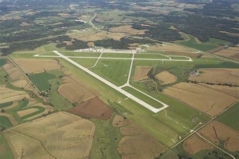 KDBQ Dubuque Regional Airport, Dubuque IA | SkyVector