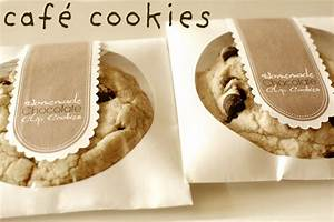 cookie favors diy chocolate chip cookies in cd sleeves With cookie labels packaging