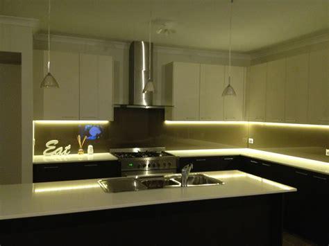 led strip lights under cabinet 2 meter 12v 3528 flexible water resistant led strip light