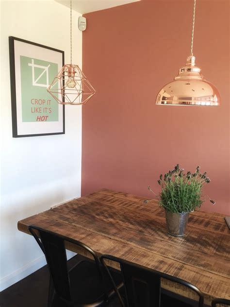 crop    hot print dulux copper blush wall
