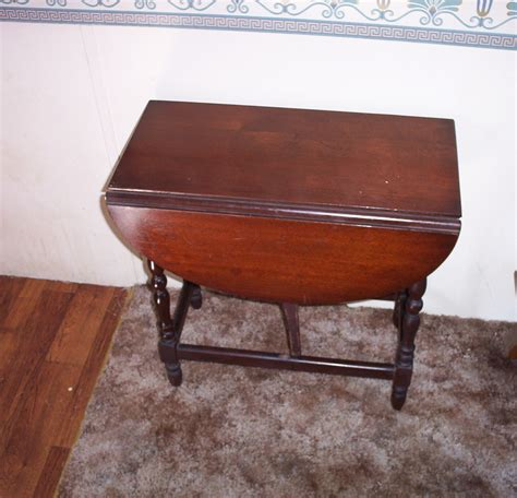 antique drop leaf table value antique drop leaf sofa or end table for sale antiques