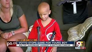 Joey Votto stops game for young fan with cancer - YouTube