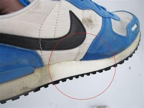 Weiße Schuhe Mit Backpulver Reinigen by Turnschuhe Richtig S 228 Ubern Tipps Zur Sneaker Reinigung