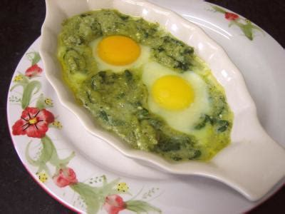 cuisiner les brocolis recettes cassolettes d 39 oeufs aux restes de purée de brocolis