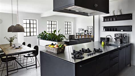 cuisine vipp ett kök i svart hemperspektiv