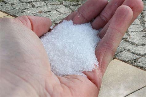 ölflecken auf beton entfernen pflastersteine flechten entfernen fassadenreinigung
