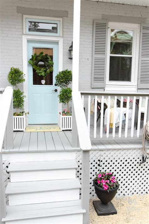 how to transform a porch with behr 174 paint