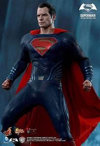 Hot Toys Batman and Superman from Batman v Superman ...