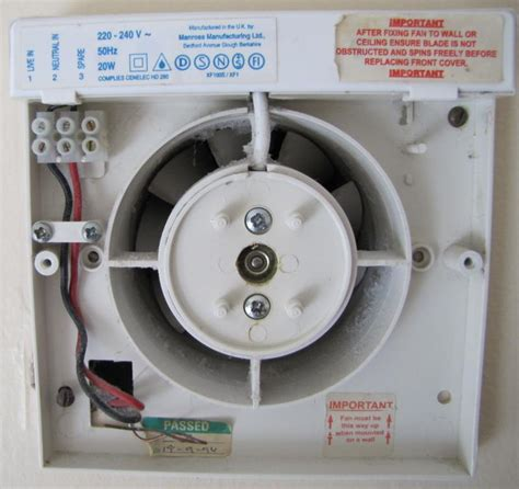 bathroom extractor fans switched live bathroom extractor fan diynot forums