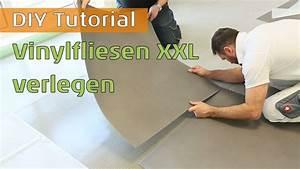 Vinylboden Kleben Auf Estrich : vinylboden in xxl fliesenoptik kleben auf selbstklebender trittschalld mmung youtube ~ Orissabook.com Haus und Dekorationen