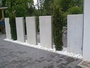 Beton Im Garten : sichtschutz mit beton elementen righini garten und landschaftsbau ~ Markanthonyermac.com Haus und Dekorationen