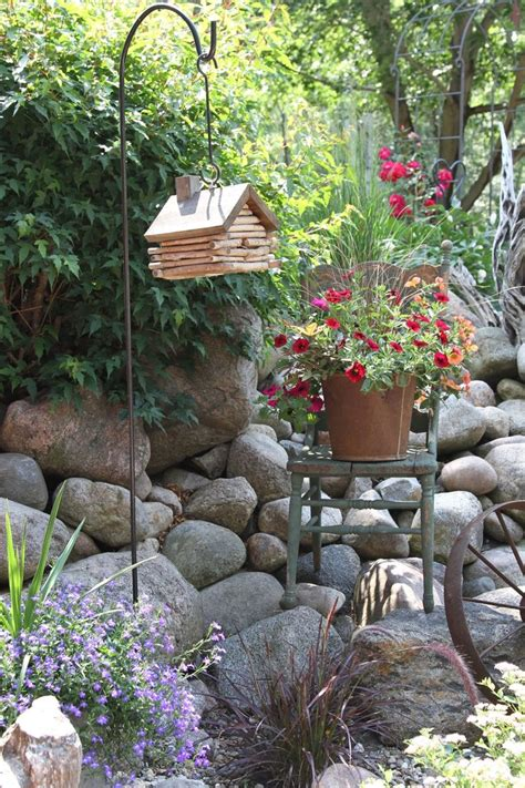 Primitive Rustic Garden Country
