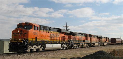 File:Four BNSF locomotives lead train in Loveland ...