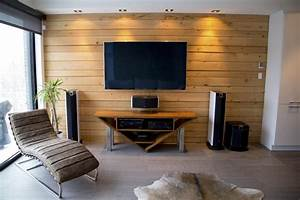 Mur Tv Bois : mur en bois de pruche recherche google maison ~ Teatrodelosmanantiales.com Idées de Décoration