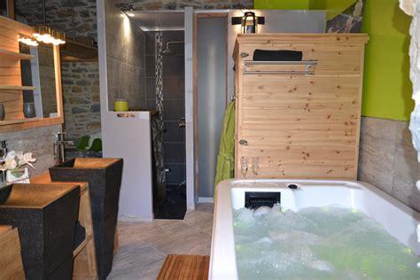 location chambre avec spa privatif gîte avec spa piscine sud aveyron millau chambre