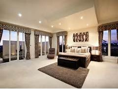 Bedroom Carpeting Ideas by Modern Bedroom Design Idea With Carpet Balcony Using Black Colours Be