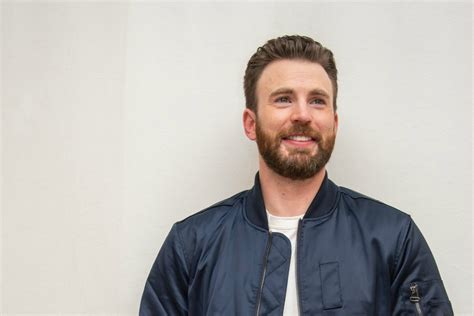 Chris Evans trending after accidental leaked nude photo ...