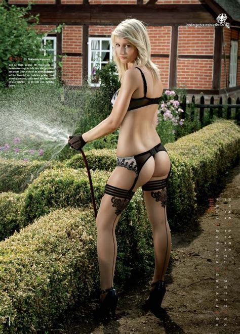 bauerkalender 2011 sexy german farm girls calendar 2011