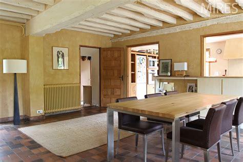 cuisine facade poutres peintes ambiance jaune c0614 mires