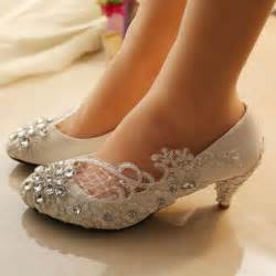 bridesmaids shoes fashion fok bridal wear new fashion pearl work with lace shoes for brides