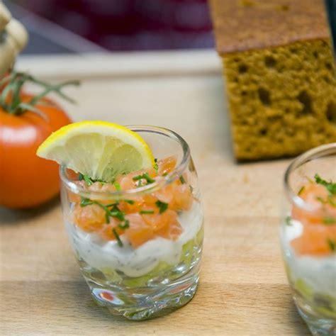 cuisine az verrines recette verrines au saumon fumé à la crème de concombre