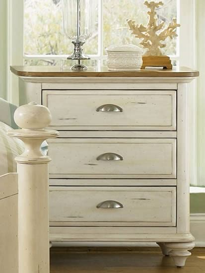 White Distressed Nightstand by Distressed White Washed Nightstands Bedroom Redo Designs