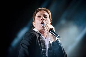 Police search Sir Cliff Richard's UK home in relation to ...