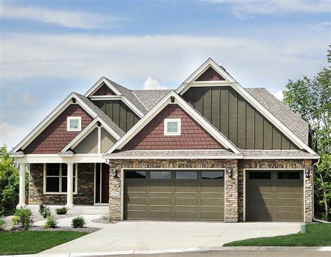 exclusive  bed craftsman   sloping lot hs