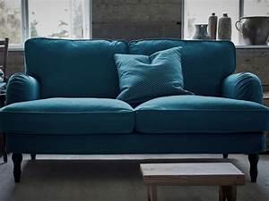 Canapé Velours Ikea : petit canap des mod les qui ont de l 39 allure joli place ~ Teatrodelosmanantiales.com Idées de Décoration