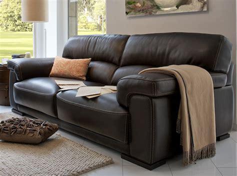 couture canapé cuir les nouveaux canapés en cuir décoration