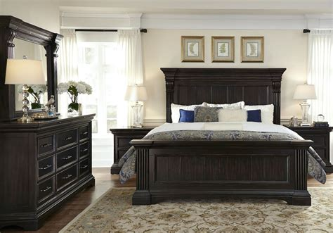 caldwell black panel bedroom set p   pulaski