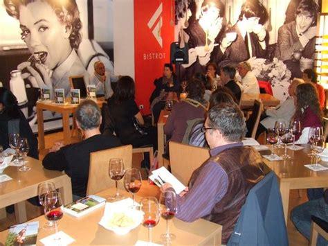 Libreria Feltrinelli Mestre by L Uomo Sussurrava Alle Vigne 10 October 2010 Mestre