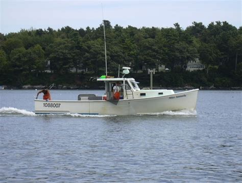 Lobster Boat No Limits by Cape Cod Canal Lobster Fishing