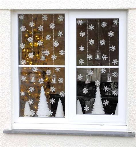 christmas decoration for windows 37 cute christmas window d 233 corations digsdigs