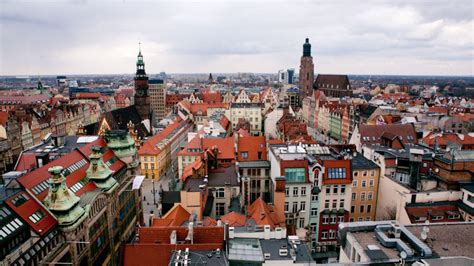 Surprises of Wrocław   The Family Without Borders