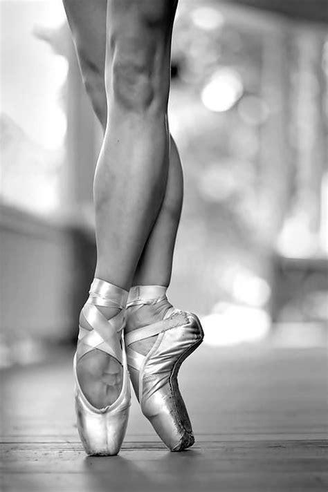 ballet feet pain images  pinterest