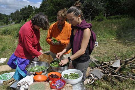 cuisine plantes sauvages comestibles découverte des plantes sauvages comestibles aluna voyages
