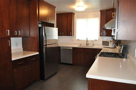 flat panel kitchen cabinets w quartz counter tops