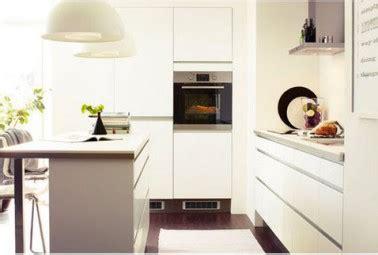 cuisine harmonie déco cuisine harmonie couleur blanc et taupe cuisine ikea