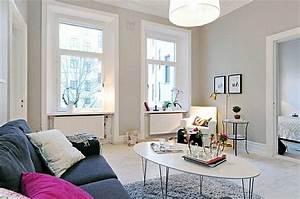 Fensterdeko Für Große Fenster : kleines wohnzimmer einrichten 20 ideen f r mehr ger umigkeit ~ Michelbontemps.com Haus und Dekorationen