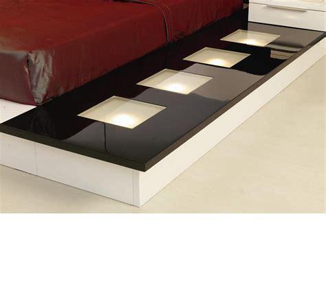 impera modern contemporary lacquer platform bed dreamfurniture impera modern contemporary lacquer