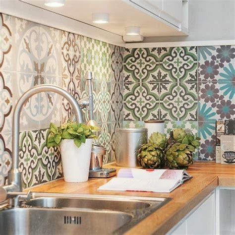 decorer une cuisine le carrelage mural en 50 variantes pour vos murs