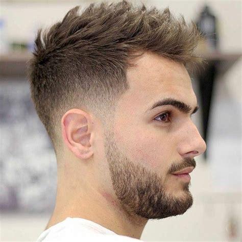Coupe De Cheveux Homme 2018 Court Dégradé Les 25 Meilleures Id 233 Es De La Cat 233 Gorie Coiffure Homme Tendance Sur Coiffure Homme