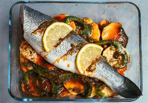 cuisine bar poisson recette du poisson au four façon tajine les délices d 39 amal