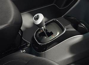 Peugeot 108 Automatique : informations techniques peugeot 108 3 portes ~ Medecine-chirurgie-esthetiques.com Avis de Voitures