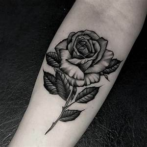 Rosen Tattoos Schwarz : 1001 idee per tatuaggio rosa colori significati e diverse tipologie ~ Frokenaadalensverden.com Haus und Dekorationen